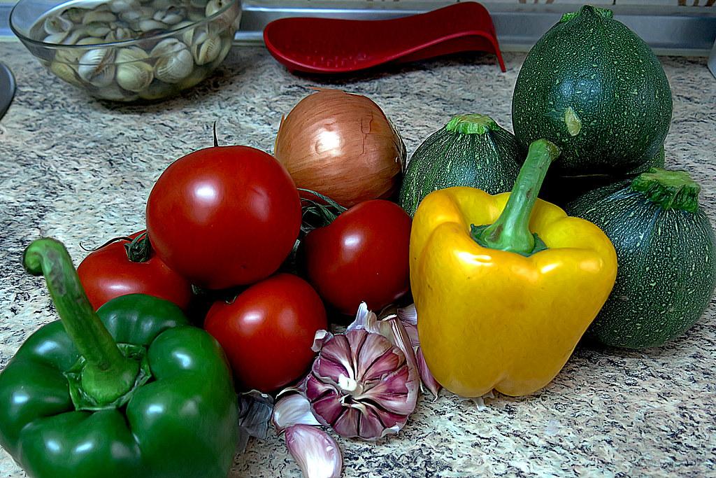 calabacines esféricos y otras hortalizas