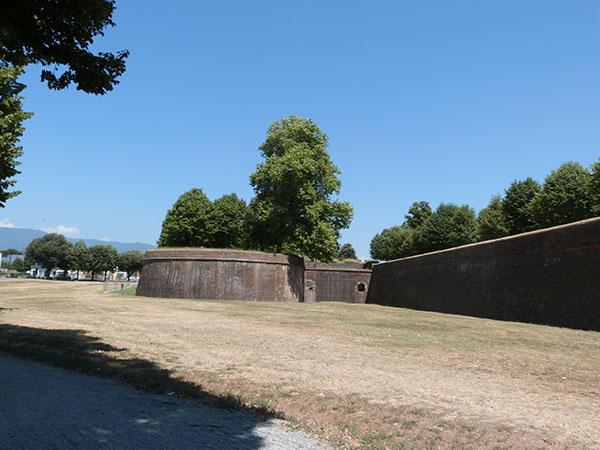 les remparts de Lucca