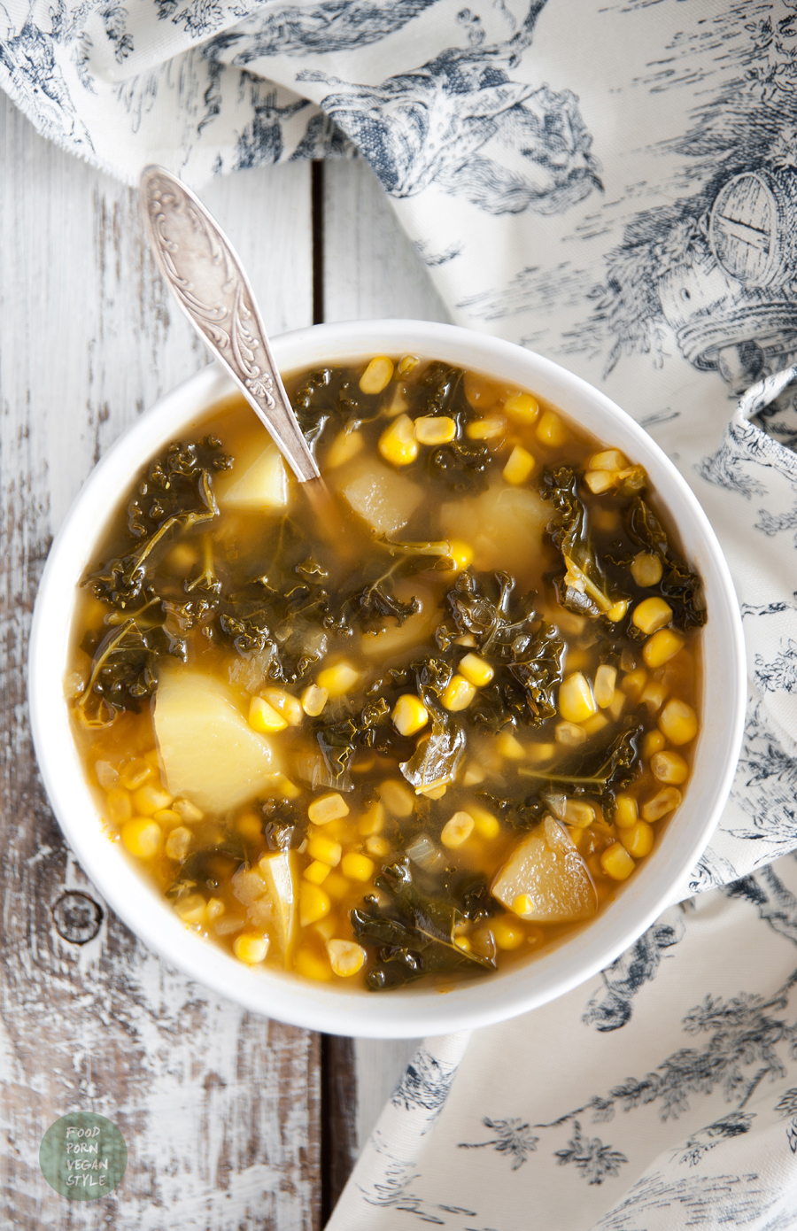 Sweetcorn soup with apples, potatoes and kale