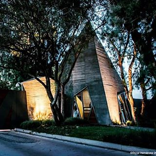 Caseta de acceso TIERRAVERDE _ Proyecto de ADI / Arquitectura y Diseño Interior. Estudio fotográfico por su servidor..  #architecture #arquitectura #arquitecturamx #diseño #fotografiadearquitectura #oscarhernandez #fotografia #building  #architexture #cit