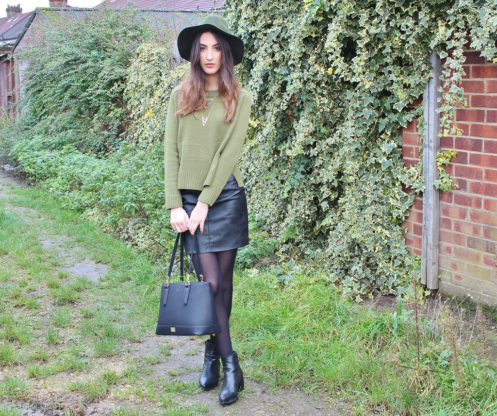 KHAKI ON LEATHER OOTD