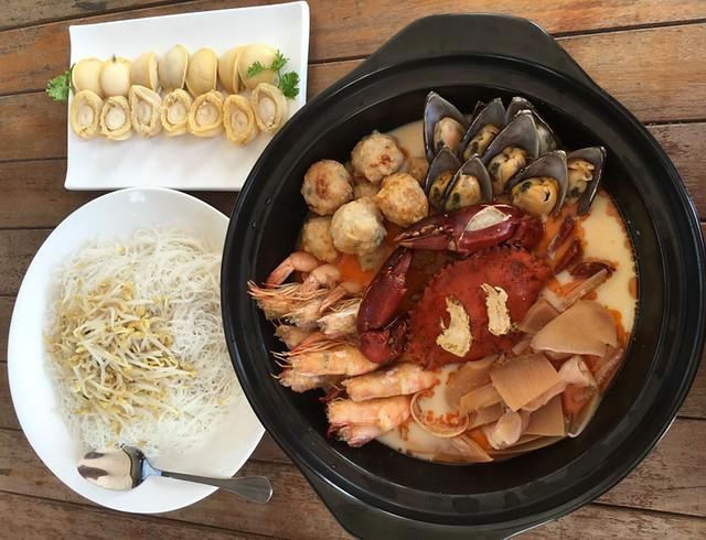 Dragon Tiger Seafood Pot-bihun