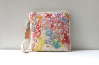 snow-small-color-clutch