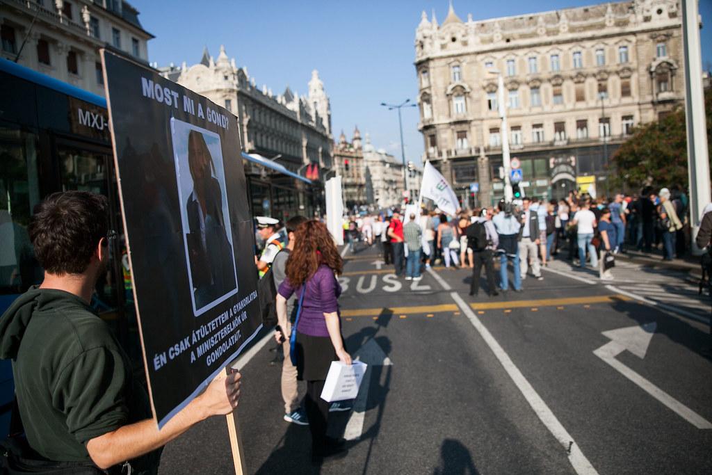 Együtt kormányellenes tüntetés