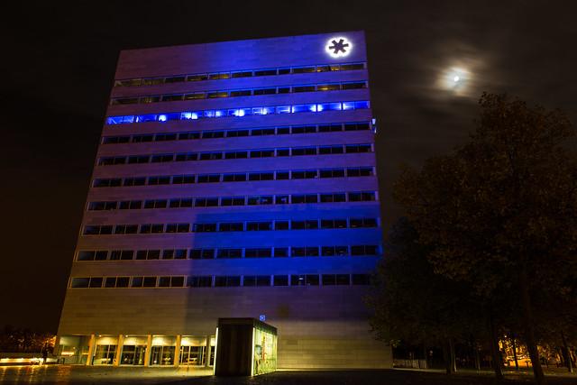 Provinciehuis kleurt blauw - 24 oktober 2015