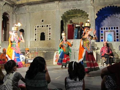 Udaipur: spectacle de danses traditionnelles et de marionnettes