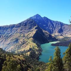 Mt.Rinjani #rinjani #reallife #realadventure #life #lombok #travelingindonesia #travelinglombok #traveltheworld #mountain #mountainexploring #mountainadventures #outdoorlife #lake #summit