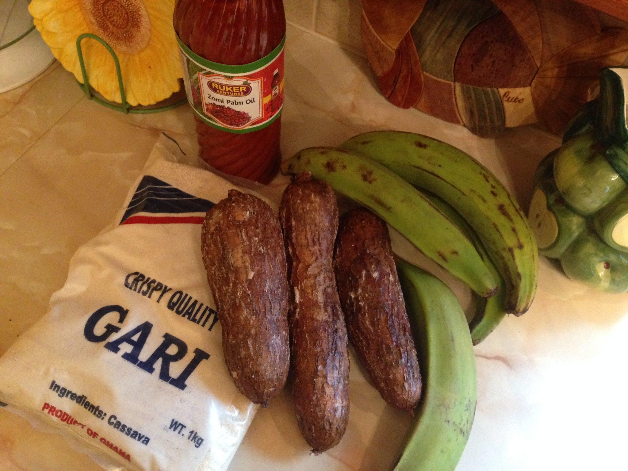 Cassava, green bananas, crispy cassava flour, palm oil