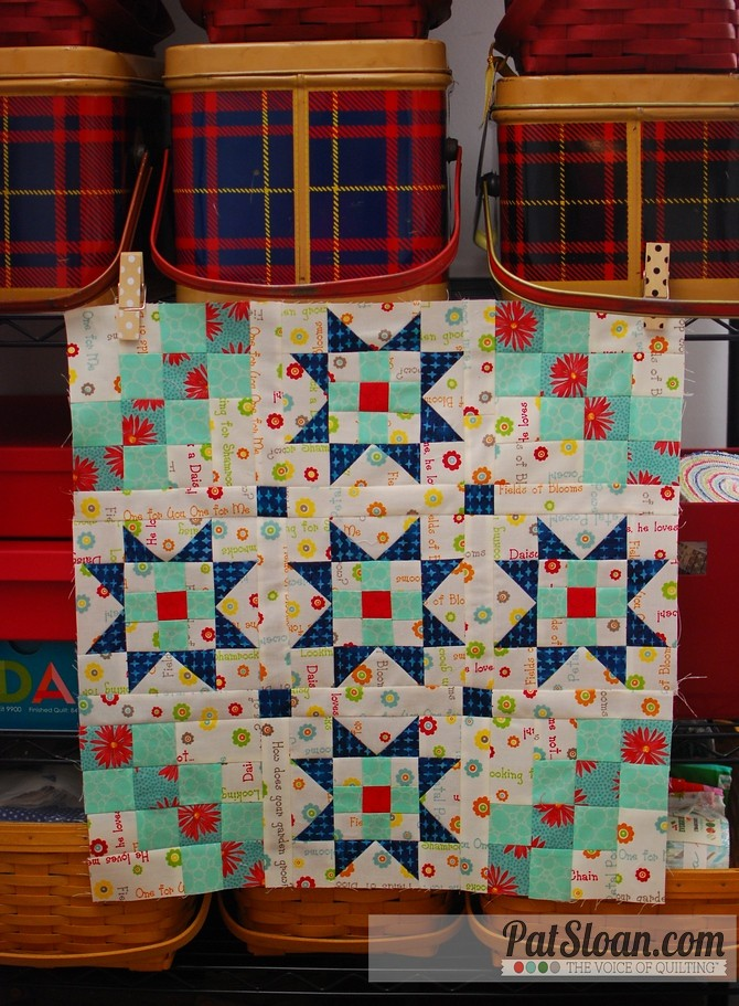 pat sloan 2015 aurifil Dec block