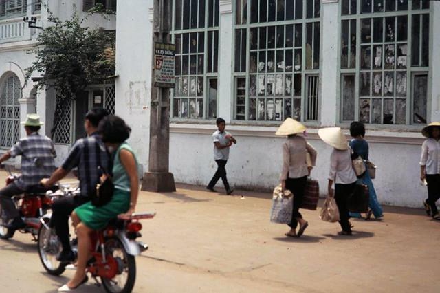 SAIGON 1967-68 - Photo by ARCHIE GORDON - Đường Chi Lăng Gia Định, nay là Phan Đăng Lưu