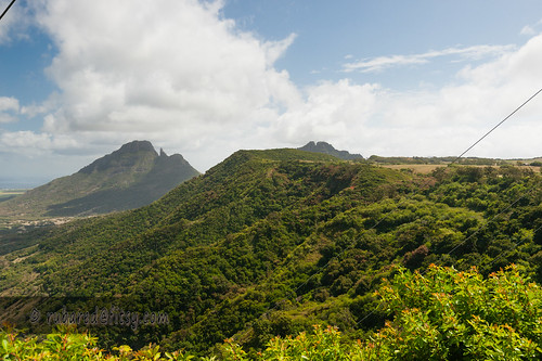 plains rempartmountain ridge landscape troismamelles mauritius vacoasphoenix plaineswilhemsdistrict mu