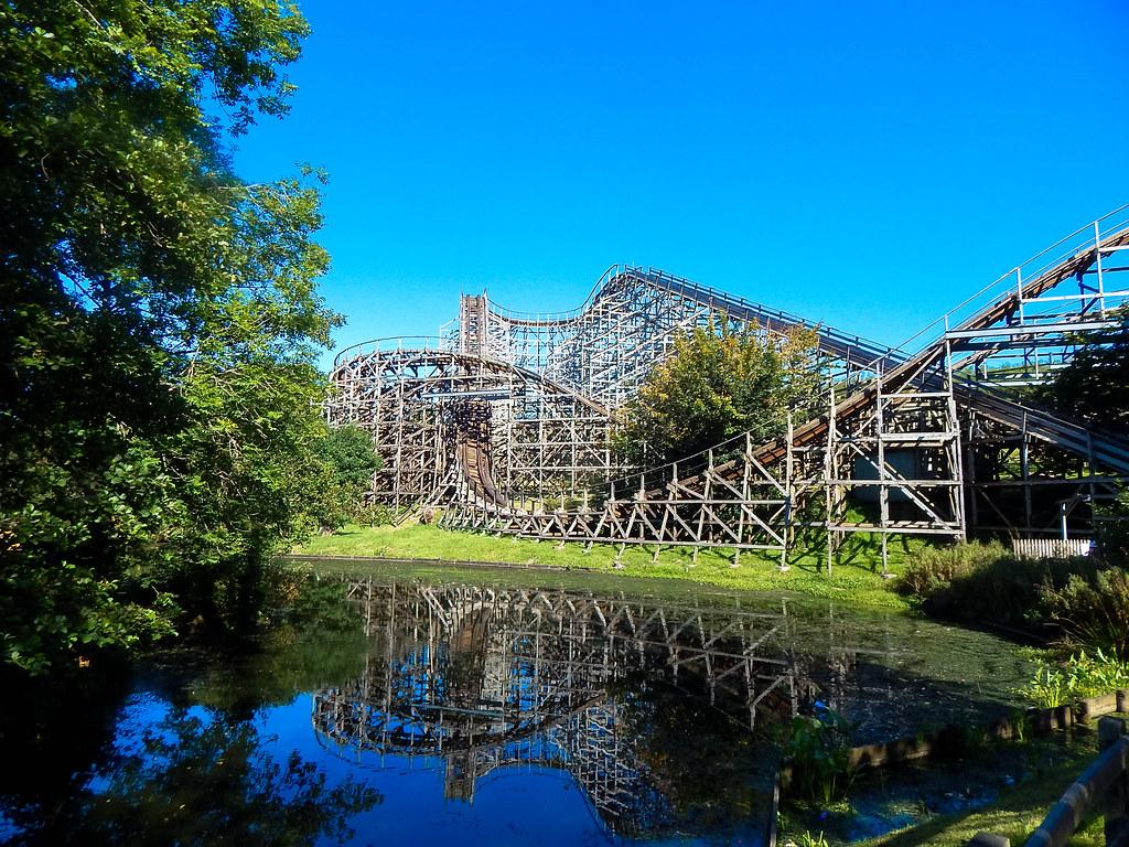 Oakwood Theme Park Guide