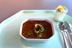 Chili con Carne with sour cream & jalapenos /…