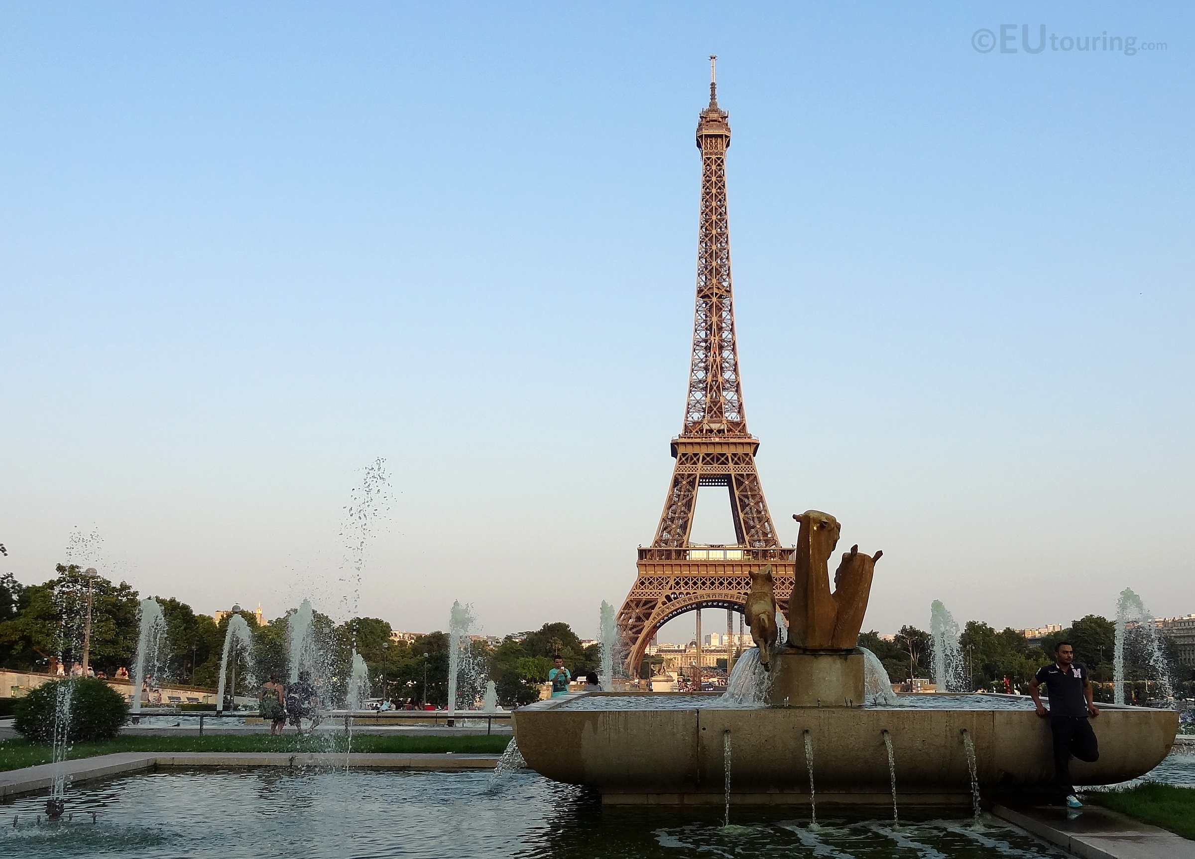 View over Trocadero fountains