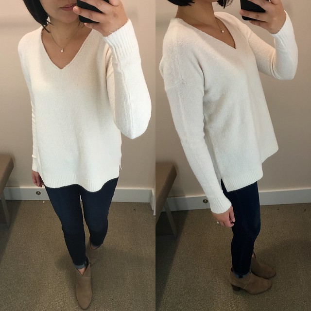 LOFT Relaxed V-Neck Sweater, size XS regular