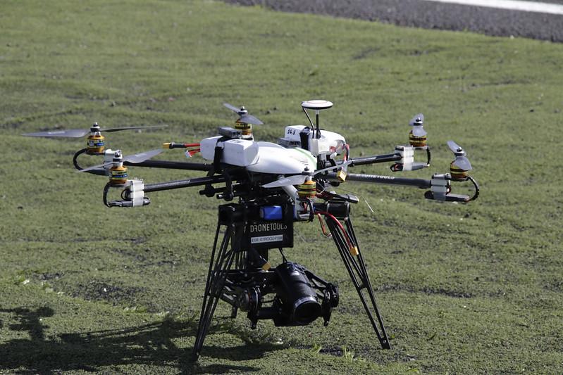 Resultado de imagen para ejercito + drone con sus seis rotores