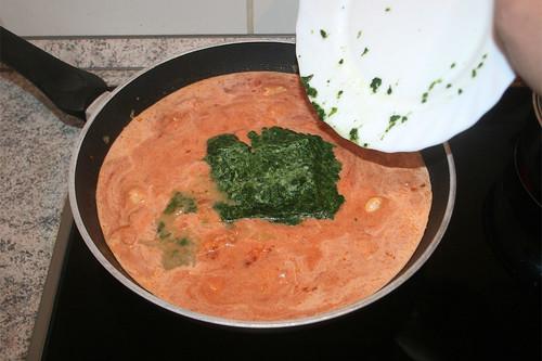 26 - Rahmspinat hinzufügen / Add spinach