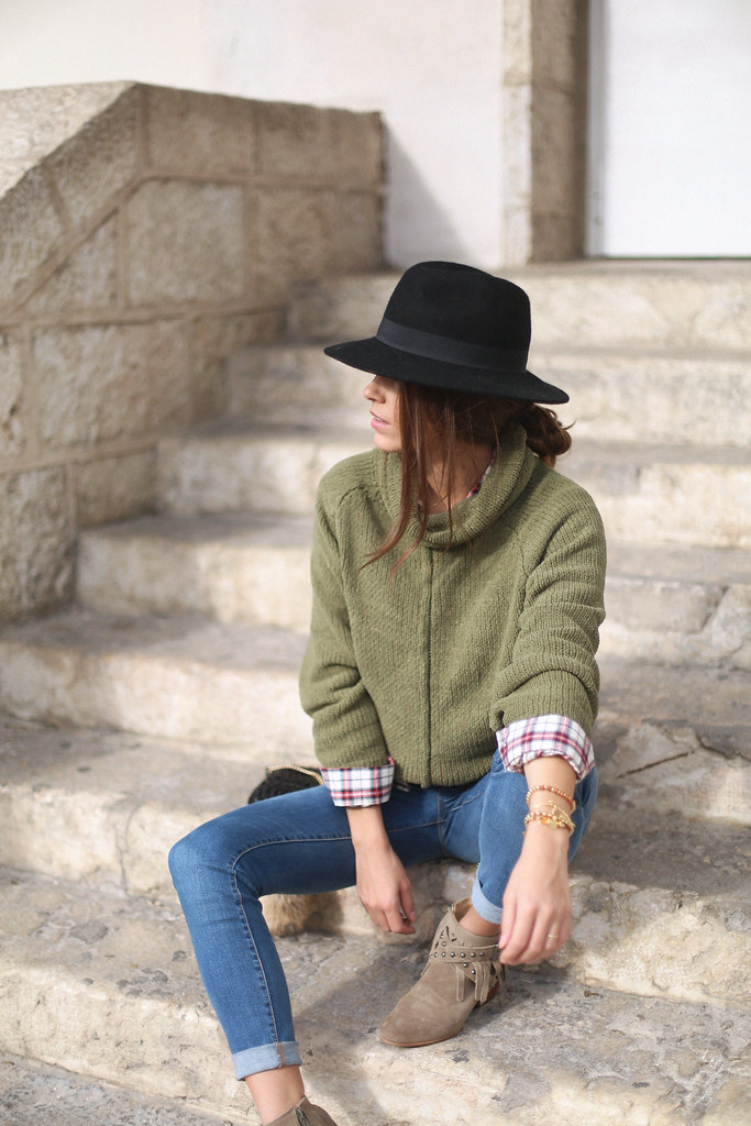 green turtleneck sweater fringed booties plaid shirt jessie chanes 7