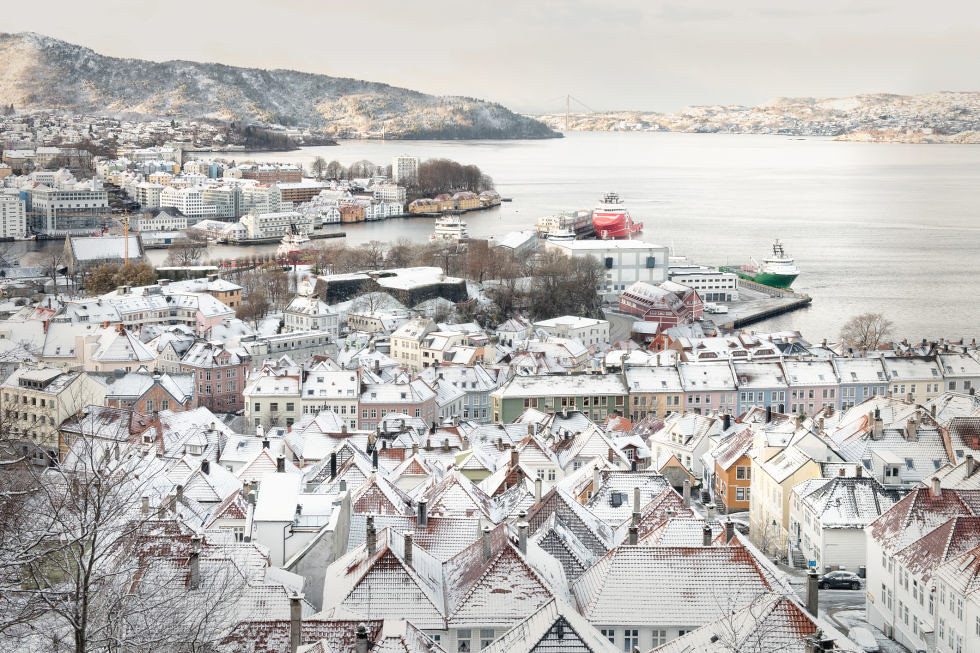 adaymag-stunning-photos-that-prove-bryggen-norway-is-the-ultimate-storybook-town-03