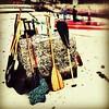 Remos. Bóia. #praiadaurca ##everydaybrasil #everydaylatinamerica #everydayriodejaneiro #mobigraphia #mobilephotography #canoahavaiana #canoahavaianariodejaneiro