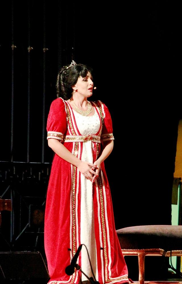 Noicattaro. Il soprano Grazia Berardi intero