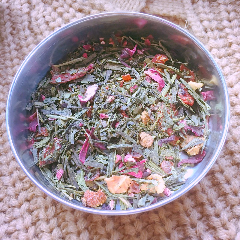 Essential tips: Organic green tea mixed with dried Goji berries