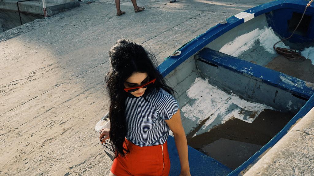 Ванесса Хадженс — Фотосессия для «Find Your California» 2015 – 60