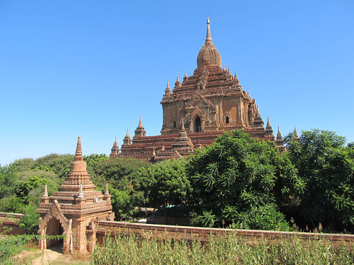 Old Bagan: le temple Htilominlo