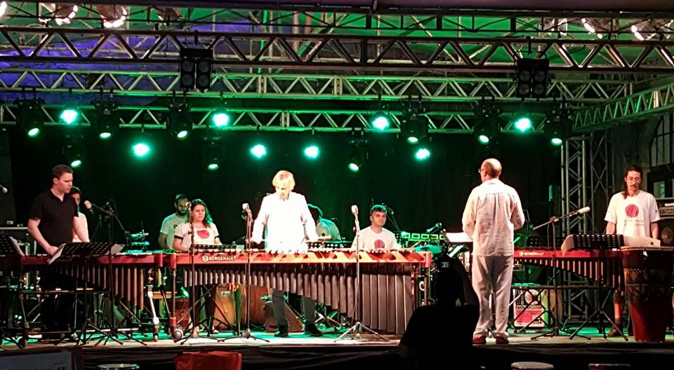 Grupo de percussão PEPEU e Ney Rosauro