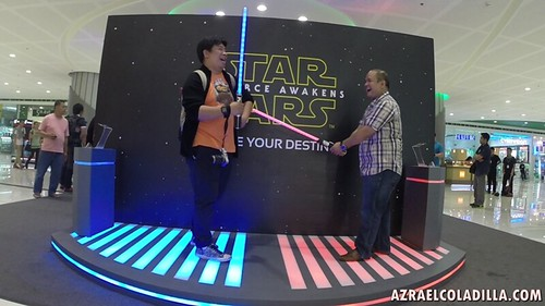 Star Wars: The Force Awakens exhibit and lifesize XWING starfighter in SM MOA