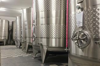 contenitori in acciao inox per lavorazione del vino