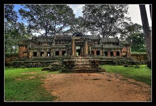 Siem Reap K - Angkor wat gate house