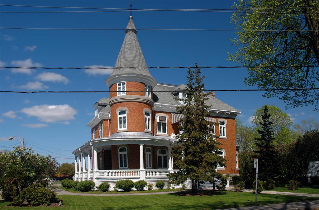 Hotel Sur La Grande Allee A Quebec