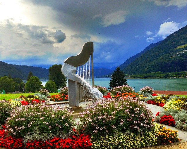 A harp above the lake of Ossiach