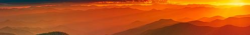 sunset sun mountains northcarolina cherokee blueridgeparkway sunbeams photons cowee coweemountains cloudsstormssunsetssunrises placeofthedeerclan