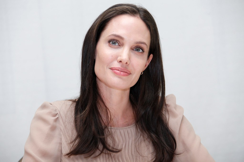 Анджелина Джоли — Пресс-конференция «Лазурный берег» 2015 – 26