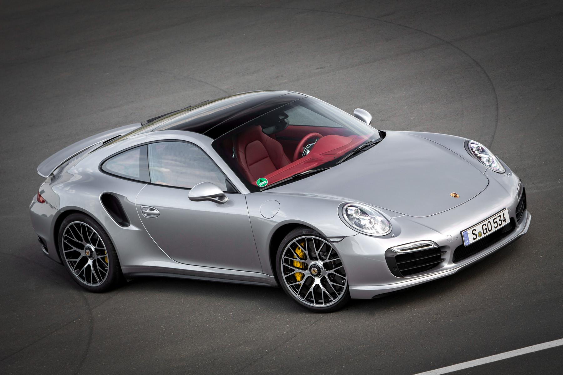 Porsche 911. Вид спереди