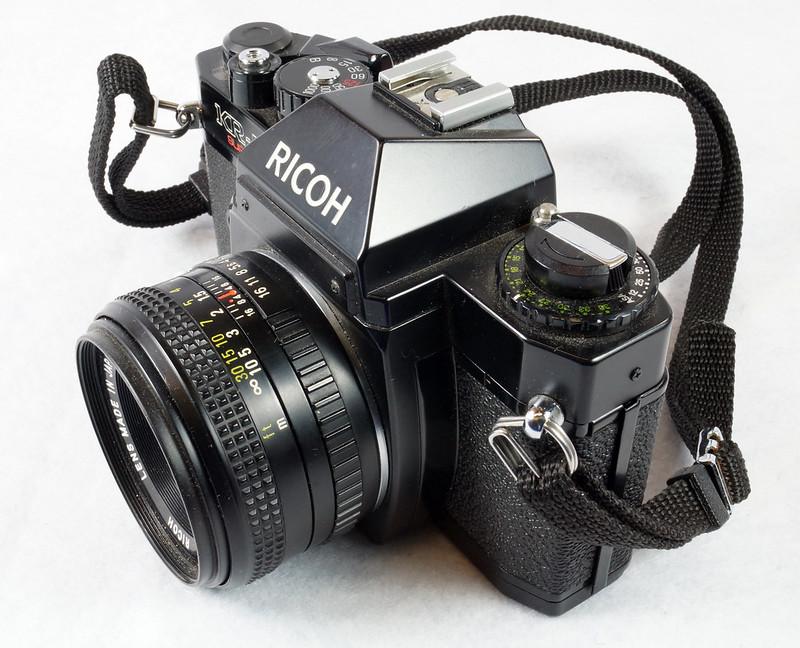 RD15023 Ricoh KR-5 SUPER 35mm SLR Film Camera XR Rikenon 50mm Lens, Sunpak Flash, Mustang Case DSC07458
