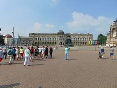 arhitectură barocă-palatul zwinger dresda