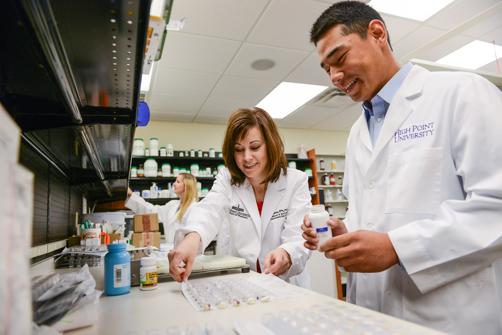 pharm schools Join our small community of big thinkers one of the many great  things about uri's college of pharmacy is that we're a diverse community of.