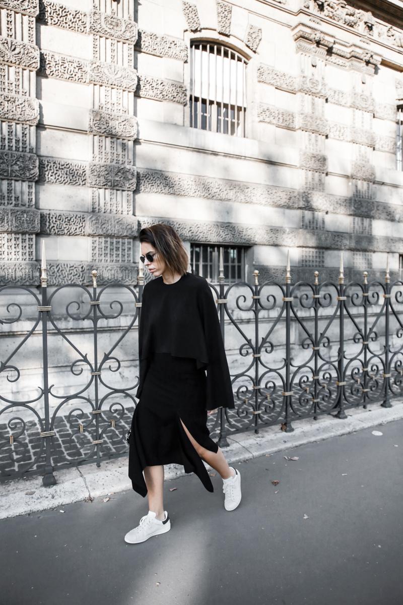 paris fashion week, street style, ss16, Ellery, Protege Flare sleeve top, Dion Lee slash split skirt, Isabel Marant sneakers, monochrome, modern legacy, fashion blogger (1 of 1)