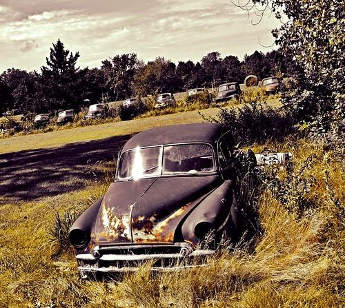 abandoned car sedan vintage rust vintagecar automobile decay parts missouri junkyard ruraldecay selectivecolor leaderofthepack