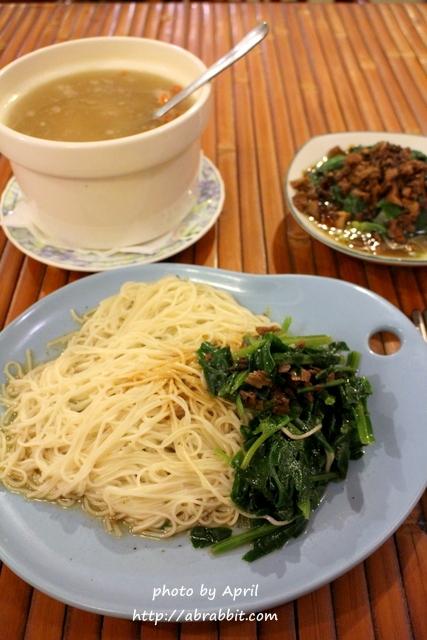 [台中]紅袖招素食茶品小屋–一中商圈好吃平價的蔬食餐廳@北區 錦南街
