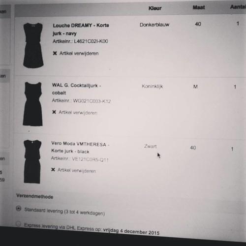 Online shopping. Want eind deze maand komt het belastinggeld 😇😍 #zalando #esprit #shopping 👗💸