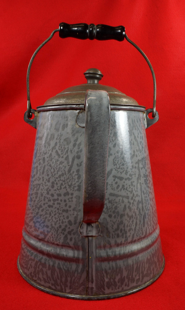 RD14935 Antique Large Gray Graniteware Coffee Pot with Lid & Black Wood Handle  DSC07533