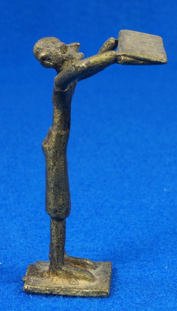 RD15105 4 Vintage African Hand Made Folk Art Primitive Figurines Solid Cast Brass Burkina Faso Yoruba West Africa DSC07136