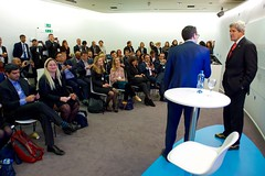 World Economic Forum Young Global Leaders Director John Dutton introduces U.S. Secretary of State John Kerry to a group of young business people on January 17, 2017, at the World Economic Forum in Davos, Switzerland. [State Department photo/ Public Domain]