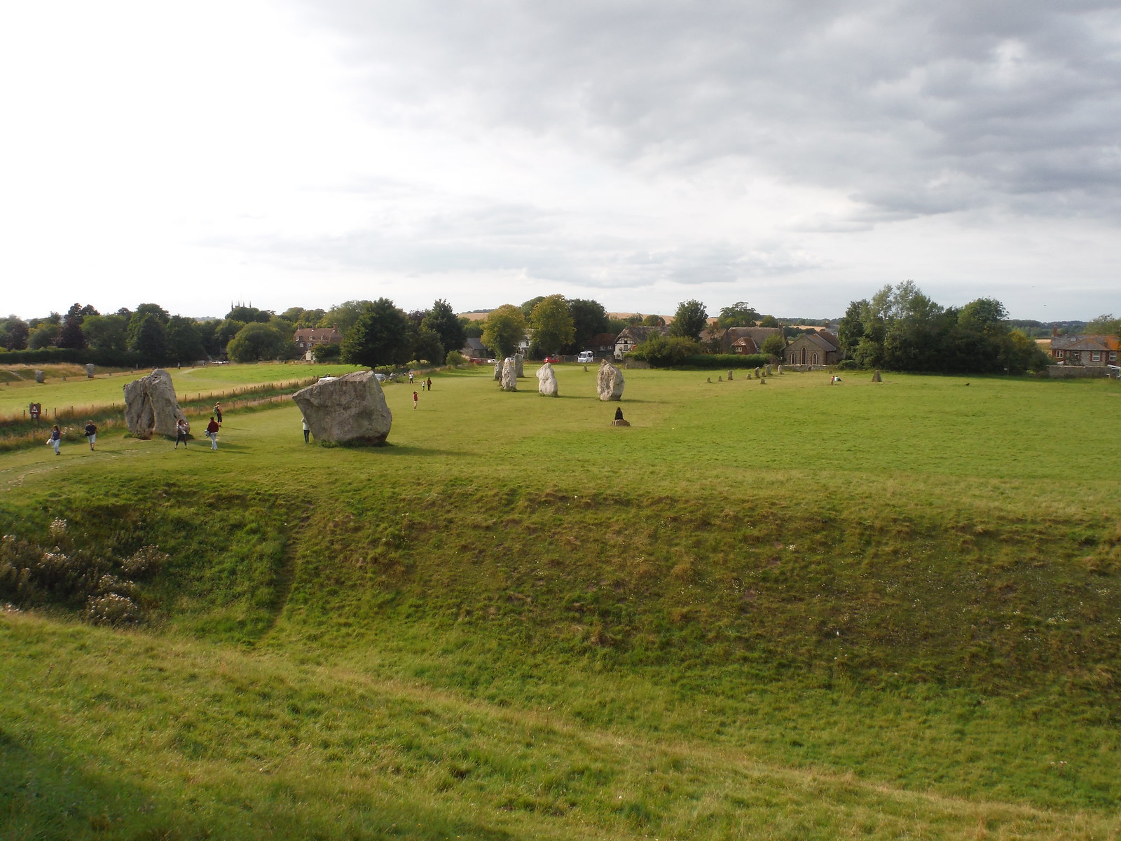 Avebury, Ditch and Stones SWC Walk 255 Pewsey or Marlborough Circular via Avebury