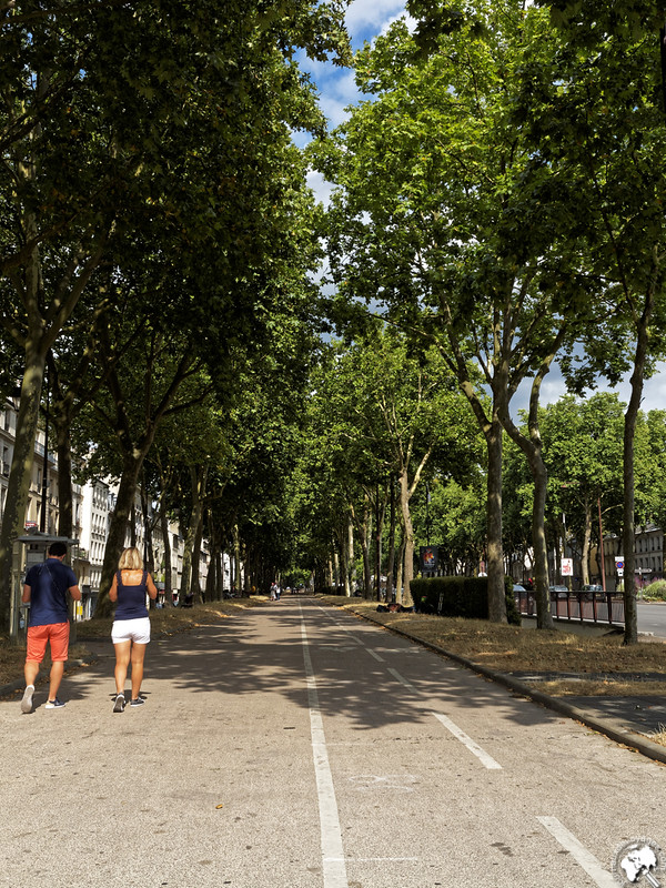 Avenue de Saint Cloud avec sa piste cyclable