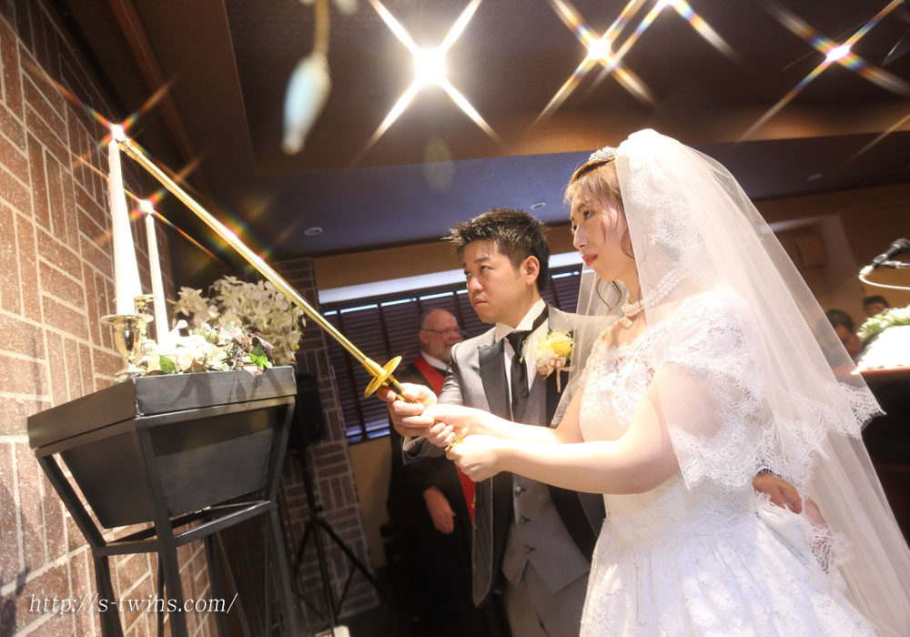 15oct10wedding_swanlake_beer07